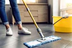 На уборку одной квартиры требуется 10 мл Дезинтекса, разведённого водой.